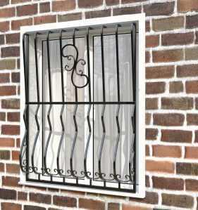 Фото 27 - Дутая решетка на окна ДТ0009.