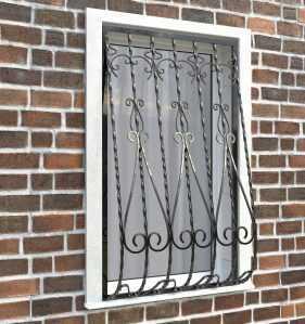 Фото 21 - Дутая решетка на окна ДТ0024.
