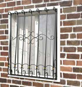 Фото 74 - Дутая решетка на окна ДТ0037.