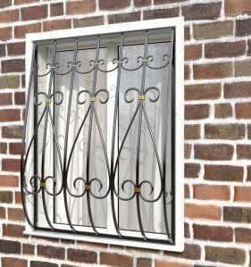 Фото 64 - Дутая решетка на окна ДТ0032.