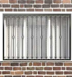 Фото 26 - Кованая решетка на окно КР-0010.