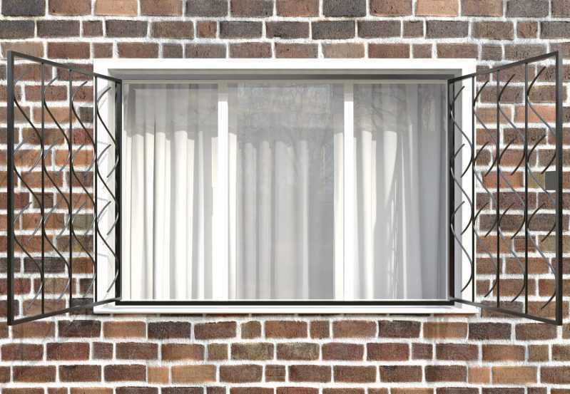 Фото 2 - Распашная решетка на окно РР-0017.