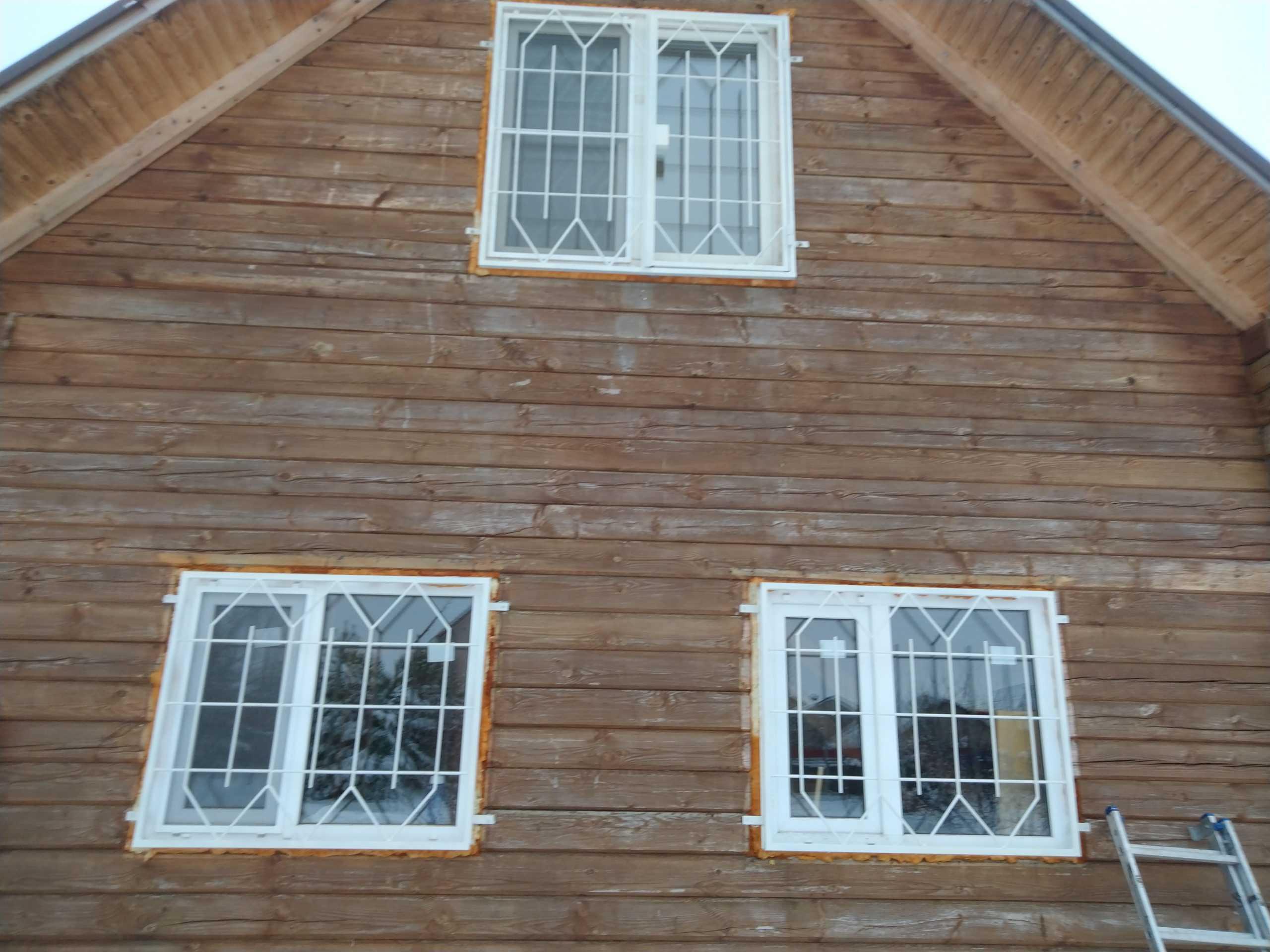 Решетки на окна в деревянном доме Фото 5